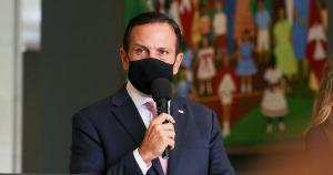 Em momento que o governo federal também passa a pagar um auxílio, o governador de São Paulo anunciou o novo programa por meio da ampliação e unificação outros programas