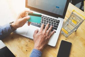 Com ferramenta da Anatel, sites de e-commerce vão poder consultar códigos de homologação dos produtos antes que o anúncio de venda seja veiculado; entenda