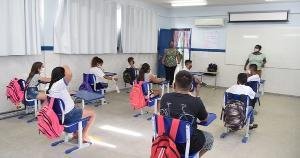 Adoção do planejamento estratégico nas secretarias estaduais e municipais de educação, seguida de uma gestão estratégica, pode contribuir muito para uma maior continuidade e eficácia das políticas educacionais