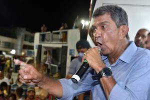 Deputado federal e ex-prefeito da Serra, o pedetista se elegeu para o terceiro mandato no município ao derrotar o vereador Fabio Duarte, candidato da situação