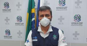 O secretário de Estado da Saúde, Nésio Fernandes, falou sobre o comportamento da pandemia nos municípios capixabas durante coletiva de imprensa nesta segunda-feira (26)