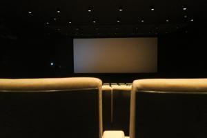 Centro comercial não ficará sem salas de cinema. A exibidora Cine A deu início às atividades no centro de compras no último dia 14