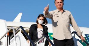 O presidente Jair Bolsonaro, que se declara não imunizado, ainda voltou a defender o chamado tratamento precoce para a Covid-19, algo sem eficácia comprovada pela ciência