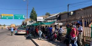 Migrants Find Different Fates at Texas, Arizona Borders