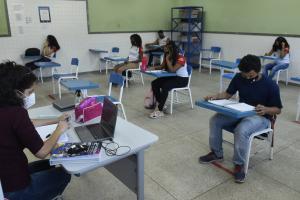 Estudantes poderão fazer os testes pela internet. Objetivo é identificar matérias que foram comprometidas por causa da pandemia