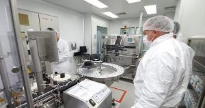O governador Renato Casagrande reforçou sobre a incerteza quanto a aceleração da vacinação no Brasil, e diz que o Estado busca alternativas, fazendo contato com diversas empresas e farmacêuticas