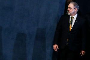 O presidente Bolsonaro anunciou que encaminhou ao Senado a proposta de recondução de Augusto Aras para a Procuradoria-Geral da República