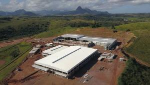 Novas fábricas e obras de infraestrutura estão criando postos de trabalho e contribuindo para a retomada do emprego