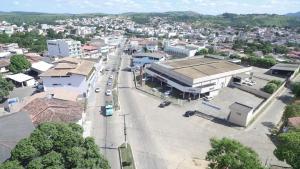 Segundo o Corpo de Bombeiros, o idoso foi picado na manhã deste domingo (18) em Pipinuque, no interior de Nova Venécia. Ele foi resgatado com vida