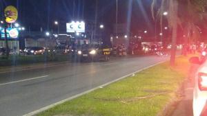 Batida aconteceu no final da tarde desta quinta-feira (6), entre um caminhão e uma moto. No km 269, duas faixas da rodovia estão interditadas no sentido Norte e o trânsito segue por desvio para a pista marginal