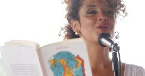 Aline Dias despontou como uma escritora promissora e muito talentosa, com um estilo direto, conciso e envolvente