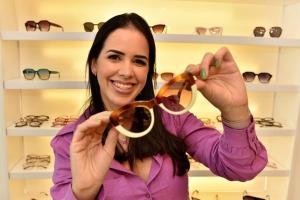 Amanda Amaral criou a Pitangueira, marca de óculos solares e armações para grau. Além de vender em vários pontos do Brasil, ela já mandou peças para a Europa, Austrália e África do Sul