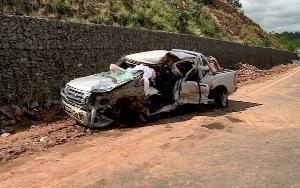 Vítima foi identificada como Nathan Vitor de Carvalho Soares. Ele estava no banco de trás da caminhonete que foi atingida por um caminhão de bananas, na BR 259. O pai do motorista do caminhão foi ao local prestar socorro e acabou atropelado