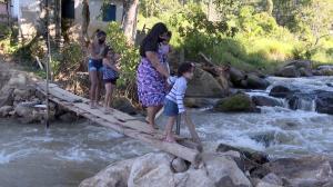 A comunidade de Prosperidade aguarda a reconstrução de uma ponte que foi levada pela enchente do ano passado