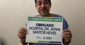 Luiz Gonzaga Trajano deixou o Hospital Estadual Dr. Jayme Santos Neves, na Serra, depois de 57 dias internado; segundo a Sesa, dos 36 pacientes do Amazonas que vieram para o Estado, 27 tiveram altas hospitalares e nove faleceram