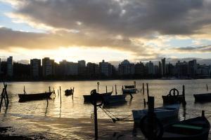 Fotógrafo de A Gazeta, Carlos Alberto Silva percorreu vários pontos de Vitória, com uma câmera instalada no carro, para captar a cidade no seu dia a dia