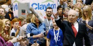 Warren Buffett Is Giving Up on Newspapers