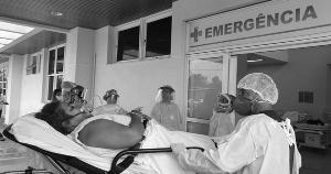 Cada alta registrada entre os pacientes de Covid-19 do Amazonas e de Rondônia mostra a importância dessa cooperação. Estado agora recebe mais 15 de Santa Catarina