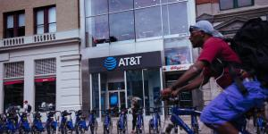 AT&T Explores Parting Ways With DirecTV