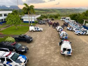 As seis pessoas presas e o adolescente detido são envolvidos com crimes na região. De acordo com a Secretaria de Estado de Segurança Pública e Defesa Social (Sesp), 14 mandados de busca e apreensão foram cumpridos nas três cidades