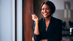 O Sebrae com Elas é uma iniciativa do Sebrae/ES para celebrar o Mês da Mulher com diversas ações específicas para fomentar a participação do público feminino na economia. São palestras, cursos, e-books, encontros e mentorias voltados para atender às necessidades da mulher empreendedora