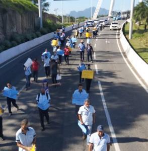 O grupo seguiu em passeata da Ufes até a Secretaria de Mobilidade e Infraestrutura do Governo do Estado (Semobi). A manifestação foi encerrada por volta das 17h10 com o embarque de passageiros sem a cobrança da passagem