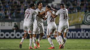 O Flamengo encara o Internacional em duelo que vale a liderança. Em outro duelo do G-6, o Fluminense enfrenta o Santos