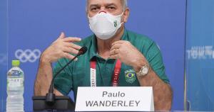 """Com estilo discreto, Paulo Wanderley atua nos bastidores. Como um """"político de pé de ouvido"""". Na escalada, aprendeu que o poder é efêmero. É melhor a atitude de """"estar"""" no poder do que a crença de """"ser"""" o poder"""