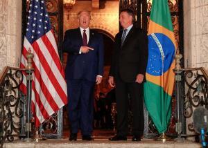 Presidente do Brasil é seguidor da ideologia do atual presidente norte-americano, que sofre seu segundo processo de impeachment acusado de incitar invasão ao Capitólio no dia 6 de janeiro
