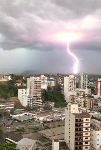 Segundo os moradores, choveu por quase duas horas, na tarde desta sexta-feira (08)