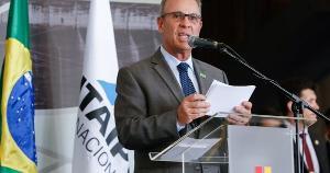 Ministro de Minas e Energia, Bento Albuquerque, afirmou que o sistema elétrico tem sido monitorado 24 horas por dia e que está elaborando medidas para evitar picos de demanda de energia