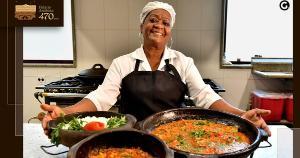 Feita por mãos capixabas, o prato é servido a visitantes em almoços institucionais. Saiba o segredo da cozinheira que prepara a moqueca mais 'ilustre' do Espírito Santo há 18 anos. Veja o vídeo
