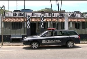 Família do homem de 33 anos procurou a polícia após receber ligação de traficantes exigindo a quantia de R$ 7 mil para libertá-lo. O valor seria referente a uma dívida que a vítima teria acumulado junto aos sequestradores após comprar drogas