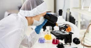 Redução de repasses e suspensão de bolsas comprometem a produção científica em áreas como saúde, educação, engenharia e agronomia