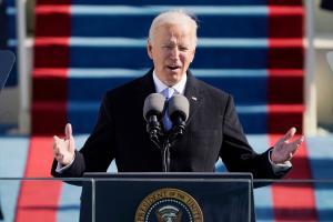O presidente assinou uma ordem executiva assegurando que 'todos os americanos qualificados para servir nas Forças Armadas dos Estados Unidos devem poder fazê-lo'