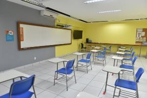 Governo do ES recorreu à Justiça contra a decisão que suspendeu o retorno presencial das aulas na rede particular de ensino, que estava autorizada a retomar as atividades a partir da próxima segunda-feira (5)