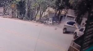 Por meio de nota, a família informou que o motorista teve um mal súbito e não estava fazendo uma ultrapassagem quando bateu de frente com o motociclista