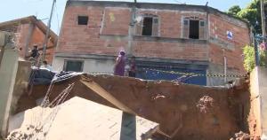 Prefeitura tinha construído apenas parte da estrutura de contenção no início do ano passado; queda aconteceu nessa terça-feira (24)