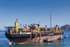 Empresa lançou edital para afretar o navio-plataforma que vai operar a partir de 2024 no projeto Integrado Parque das Baleias, no campo em Jubarte. Executivos garantiram que a estatal vai continuar operando no Espírito Santo