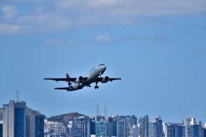 Mudança vale a partir do próximo dia 1° de março para todos os voos da companhia; quem não se adequar não poderá embarcar no avião
