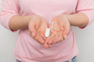 No Espírito Santo, um projeto de lei para combater a chamada pobreza menstrual também foi vetado.