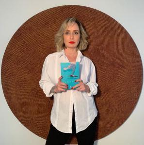 Os desafios enfrentados por mulheres de todo o país acabaram virando poesia - e um livro - pelas mãos de Flávia Campos, que alimenta um instagram com conteúdos de empoderamento feminino
