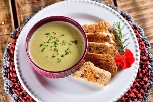 Receita delicada e saborosa vem de Pedra Azul, sugerida pela chef Thaiz Cunha, e rende cinco porções individuais