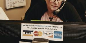 AmEx Is Paying Up to Get Businesses to Accept Its Cards