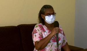 No dia seguinte, após receber a histórica primeira dose da Coronavac, a técnica em enfermagem Iolanda Brito, de 55 anos, mostrou-se disposta, sem dores e ainda brincou com a frase do presidente Jair Bolsonaro sobre a vacina