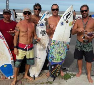 Pelas redes sociais, a morte do empresário, dono da marca Quebra Onda, que apoiava o surfe no ES, foi muito lamentada pelas pessoas do meio. No sábado (16), uma roda de oração será feita na Praia do Ulé em homenagem ao empresário e surfista