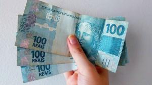Auxílio que foi depositado pela Caixa no dia 13 de abril agora pode ser sacado ou transferido. Os valores podem variar de R$ 150 a R$ 375, dependendo da composição familiar