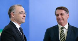Na terça-feira (13), Bolsonaro oficializou a designação de Mendonça, hoje ministro da AGU (Advocacia-Geral da União), como sucessor de Marco Aurélio Mello no Supremo