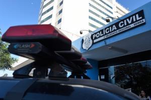 De acordo com informações da Polícia Militar, o suspeito do assalto foi detido após tentar levar um carrinho de mão e um aspirador de pó do centro religioso