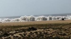 Aviso vale nesta terça-feira (13) e quarta-feira (14); agitação marítima tem relação com ventos associados à chegada de uma frente fria ao Estado